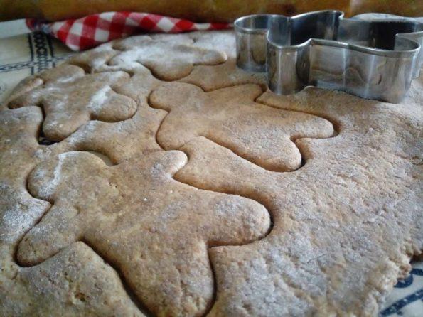 stendi i biscotti di natale e ritaglia