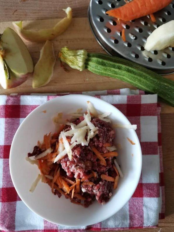 ingredienti per preparare manzo essiccato con verdure