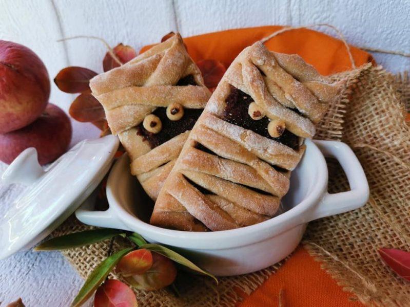 biscotti mostruosi: piccole mummie di halloween